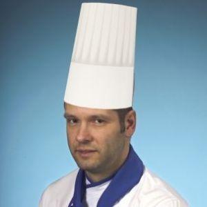Czapki kucharskie z bibuły 23 cm BURGUND op. 25 sztuk białe, regulowany rozmiar